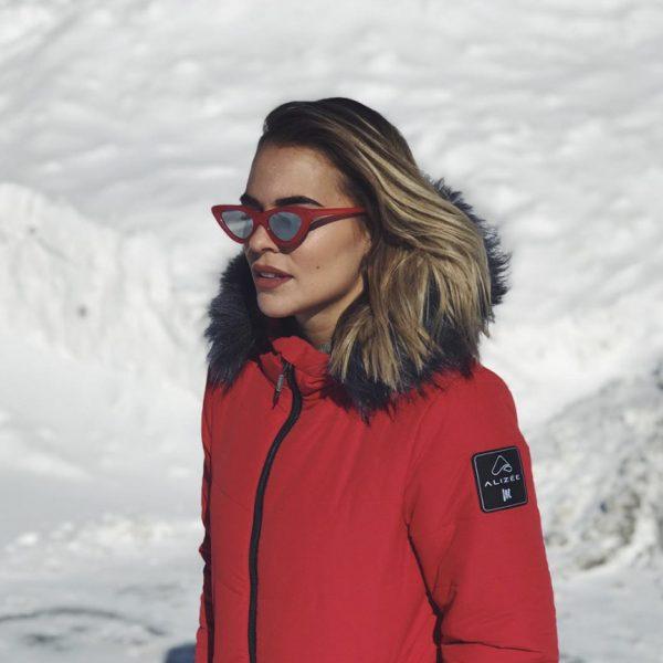 Marina Bastarache portant un manteau Alizée