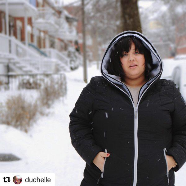 Vanesse Duchelle portant un manteau Alizée
