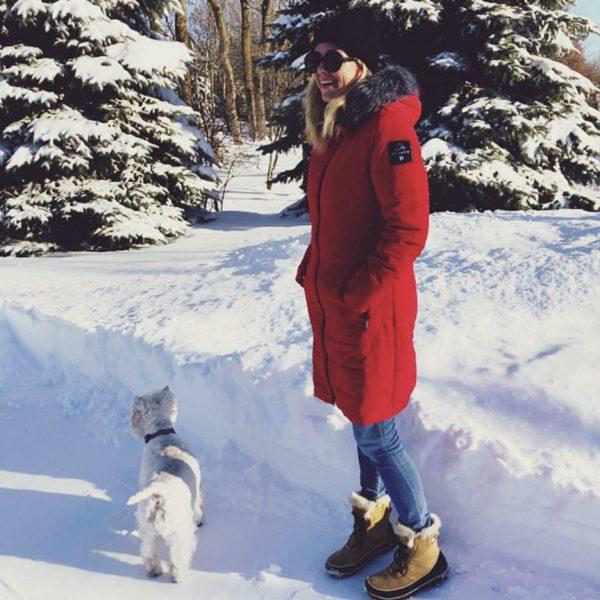 Véronique Cloutier portant un manteau Alizée