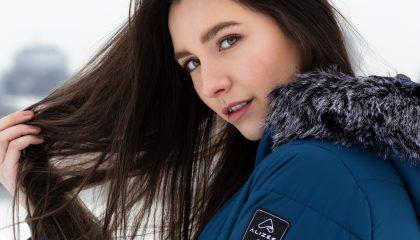Manteau en plastique recyclé par Alizée